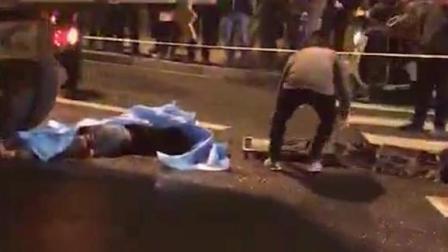 女子骑车接孩子途中 遭渣土车碾压身亡