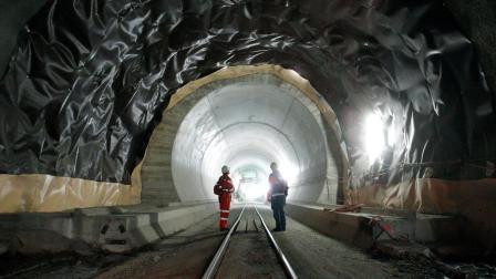 中国建世界最长隧道, 1000公里耗资10000亿元, 却被此国强烈反对