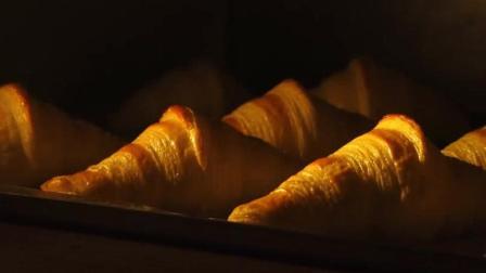 法国人做面包真是一种享受, 面包发酵肥嘟嘟的, 好可爱呦!