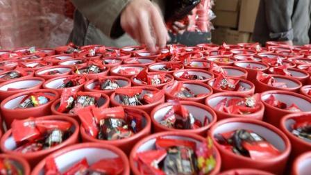 江苏喜糖盒子淘宝店主拜月老备战双11, 求多牵红线让更多人脱单