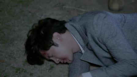 《乱世丽人行》厉文轩遭受严刑拷打关进大牢