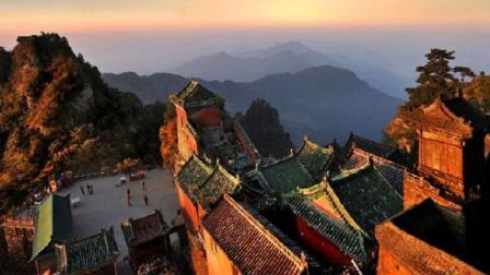 全中国最会赚钱的山, 既不是泰山也不是黄山, 答案你一定想不到