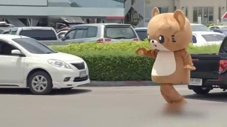 #泰国广告#没想到你是这样易燃易爆炸的熊熊