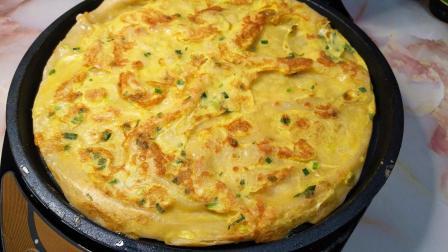 早餐鸡蛋饼这个做法, 馋到流口水, 不发面不醒面, 比煎饼果子好吃
