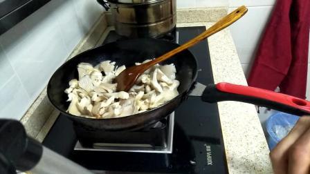 蘑菇怎么做好吃 白玉菇炒肉片的做法步骤视频