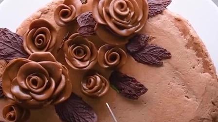 巧克力蛋糕上开花了? 国外达人制作的全巧克力蛋糕, 看着就很美味