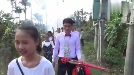 海南三亚藤桥镇农村结婚视频: 这样的接亲习俗有见过吗?
