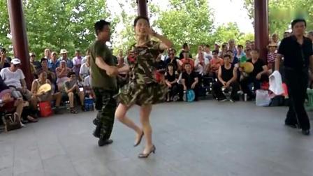 吉特巴舞动飘扬表演天津水上公园