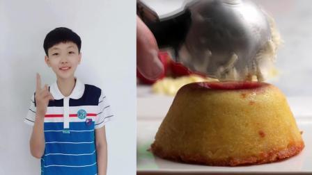 ★28、白巧克力覆盆子熔岩蛋糕——小小的美食美客