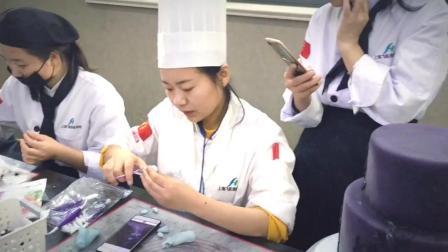 学烘焙要多少钱 蛋糕培训班 翻糖蛋糕教学