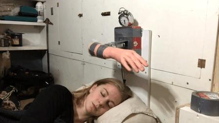 瑞典美女爱搞发明, 发明出各种奇葩装置, 笑得人肚子疼
