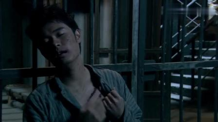 曾小贤被严刑拷打, 没想到竟然还没两下他就这个态度, 实在是有差距啊