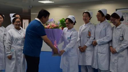为什么年轻的护士在医院那么多, 而老护士却那么少? 今天算涨知识了
