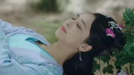 杨紫在树藤上睡觉的这段, 幕后是这样拍出来的, 真不容易呀