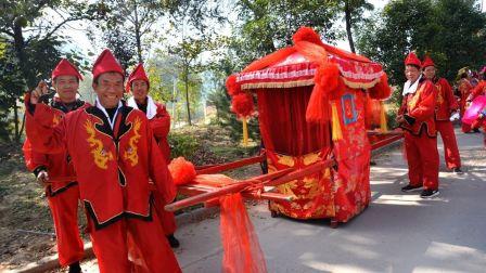 韩城青年传统热闹婚礼看点多多