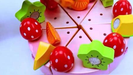 咪露妹妹要过生日, 佩奇做了好大一个蛋糕儿童玩具!