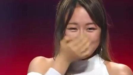 中国好声音: 20岁清纯女孩一首歌遭导师疯抢, 曝出身份, 吓坏哈林!
