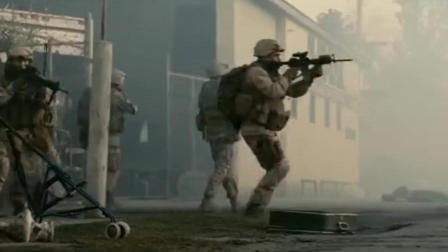 这部战争片不仅仅是恐怖那么简单, 海豹突击队被秒成渣渣