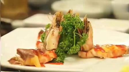 一起用餐吧: 韩国人吃饭的标准步骤, 吃前闻, 吃后微笑加点头