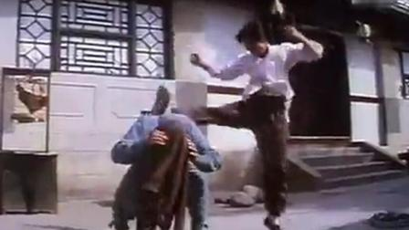 甄子丹处女作《笑太极》: 同学之间骑车耍酷演变成比武斗狠