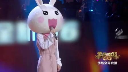 冯提莫的一首《空心》又一次赢得掌声, 巫启贤: 赶紧办场演唱会吧!
