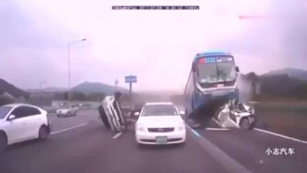 车祸都看过, 但是快到起飞的车祸保证没看过, 特效都没这么夸张