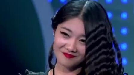 """中国梦之声: 女孩一开嗓令韩红刮目相看, 韩红: 没想到你骨子里真""""烧气""""!"""
