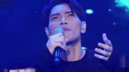 杨宗纬一首《这一路走来》让台下歌迷落泪, 一首感恩歌迷的歌