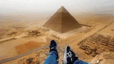 为什么金字塔不能随意乱爬? 国外一小伙到达顶端后, 揭开其中奥秘!