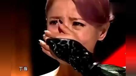 《蒙面歌王》总冠军, 揭下面具粉丝齐唱《猜不透》, 直接泪崩!