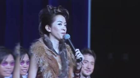 张学友许志安牵手唱歌, 唱3秒就逃了, 梅艳芳和他就在后面笑着看!