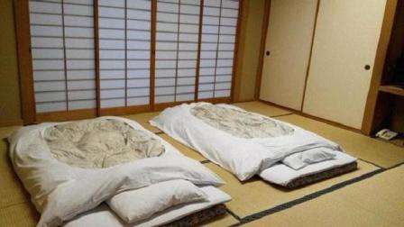 日本人喜欢睡在地上, 不喜欢睡床上, 这是什么原因?