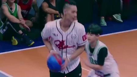 这就是灌篮: 林书豪现场炫技, 妙传过人样样精通, 不愧是职业球员