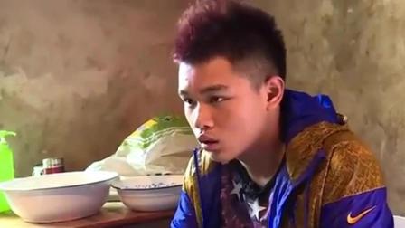 变形计: 城市三少年艰难生火做饭, 杨桐表情真是醉了啊!