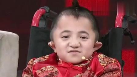 """袖珍男孩""""小魔豆""""14岁身高却不到1米, 但他学习成绩非常突出!"""