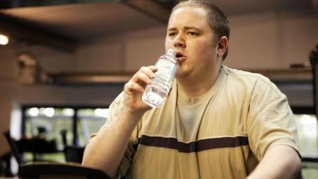 每天多喝水, 到底是养肾, 还是给肾增加负担?