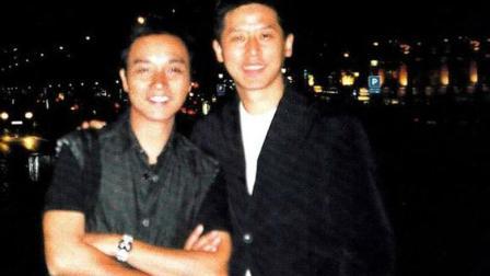58岁唐鹤德近照, 张国荣留给他2亿遗产, 与神秘少年亲密同行