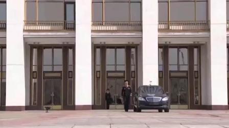 保镖关上车门的瞬间, 普京霸气出场, 一路车队保护送行!