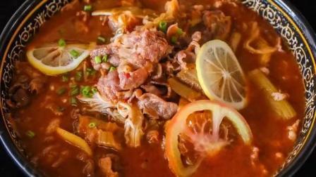 加入了辣白菜对的番茄金针菇肥牛锅做法, 酸鲜味美超好吃!