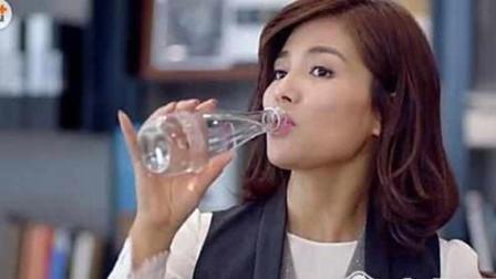 别再调侃刘涛喝的水了, 他家的筷子才壕出天际, 贫穷限制我想象!