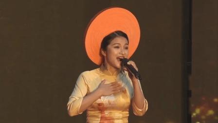 越南姑娘挑战中国经典民歌《牧羊曲》, 一开口所有人都被折服, 完胜原唱