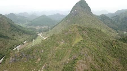 这山体看似观音静坐, 想必葬在此山的墓地, 会是风水宝地吗