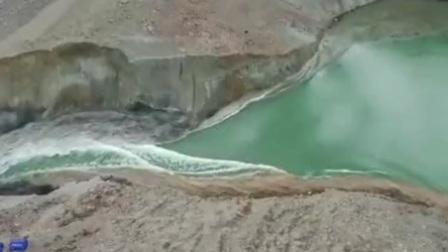 堰塞湖泄洪:金沙江2桥冲毁G318中断