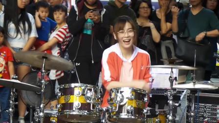 罗小白架子鼓表演《Lucky Strike》, 热爱从表情就看得到!