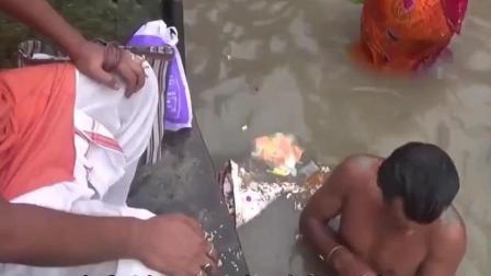 印度恒河矿泉水 4.9元一瓶 你敢喝这样的水吗!