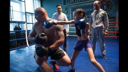9岁拳击女孩埃夫尼卡·萨瓦卡斯