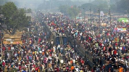 印度火车现在还挂满了人? 其实不是的, 原来我们都被骗了那么多年
