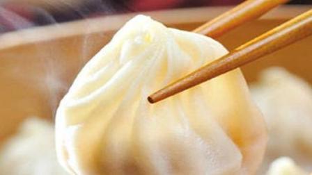风味人间: 流传百年的经典蟹黄汤包, 一种靠嘴吸的包子, 看着都流口水了