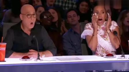 美国达人秀: 父亲带着8岁的儿子一起登上达人秀, 表演真是精彩