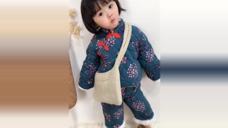 小萝莉被妈妈打扮成这样了, 接下来小萝莉的样子太可爱了!
